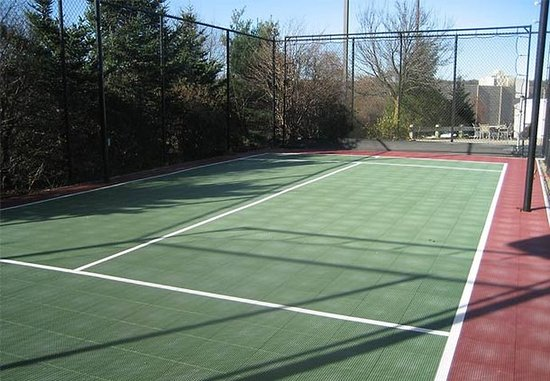 Dedham, MA: Sport Court