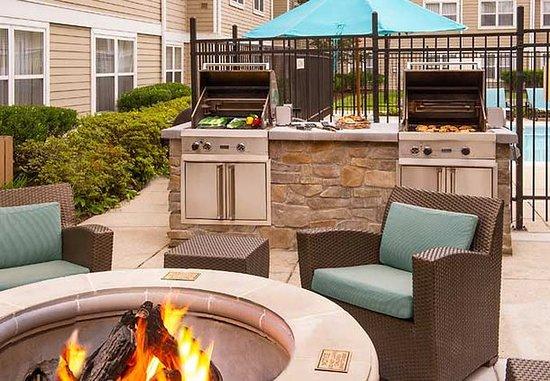 Ellicott City, Мэриленд: Outdoor BBQ Area