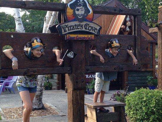 Pirate's Cove Mini Golf: photo1.jpg