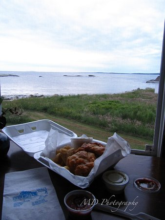 Indian Harbour, Canadá: sou'wester fish & chips & view from room