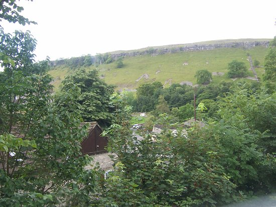 Kettlewell, UK: View from room 8 - rear of hotel