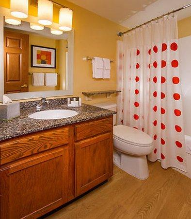 Falls Church, Virginie : Suite Bathroom