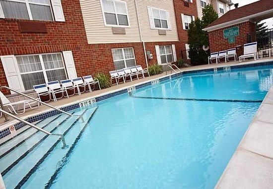 Livonia, MI: Outdoor Pool