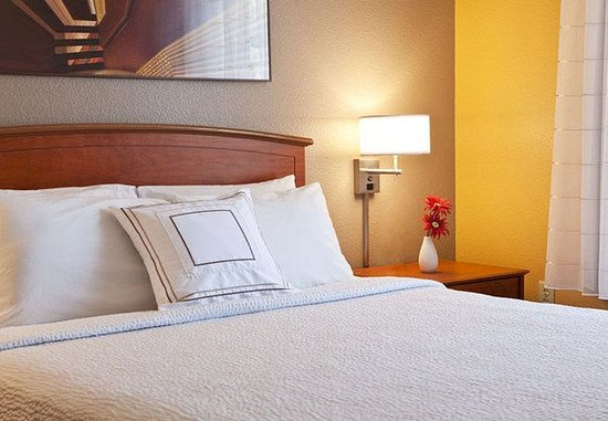Littleton, CO: Suite – Sleeping Area
