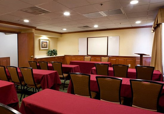 Newark, DE: Meeting Room – Classroom Setup