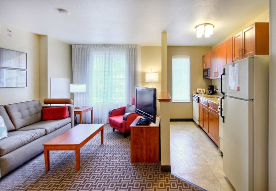 Cary, NC: Two-Bedroom Suite – Kitchen & Living Area