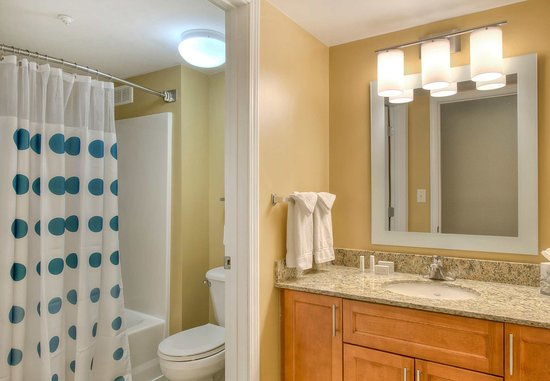 Cary, NC: Two-Bedroom Suite Bathroom