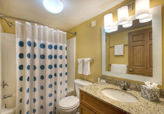 Cary, NC: Suite Bathroom