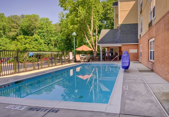 Cary, Caroline du Nord : Outdoor Pool