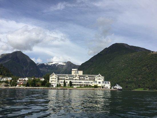 Kviknes Hotel: photo1.jpg