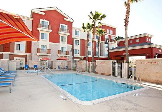 Rancho Cucamonga, Kalifornien: Outdoor Pool