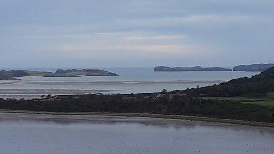 Blick vom Castle auf die Bucht von Tongue