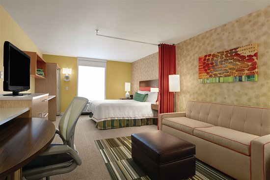 Grand Prairie, TX: King Bed Suite