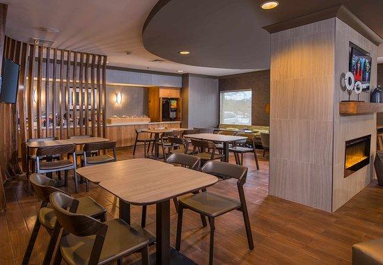 Herndon, VA: Breakfast Dining Area
