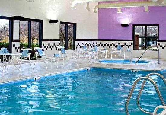 Gaithersburg, MD: Indoor Pool