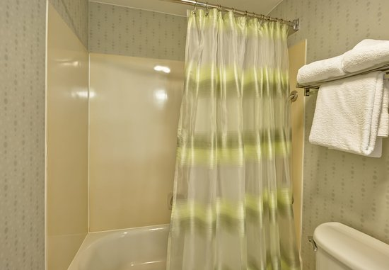 Round Rock, TX: Suite Bathroom