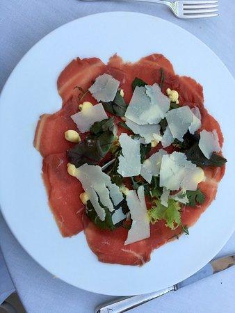 La Grande Limonaia al Lefay Resort & Spa: Rindercarpaccio mit Sauce Bearnaise und Parmesan