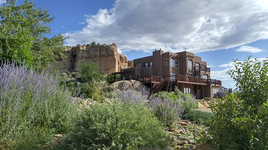 Escalante, UT : A picture of the B&B from the road leading up to it
