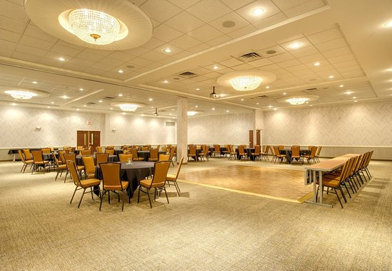 Lawrence, KS: Naismith Ballroom