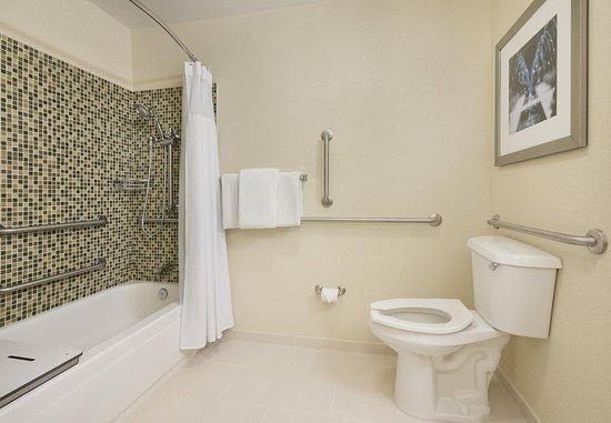 Mishawaka, IN: Accessible Suite Bathroom