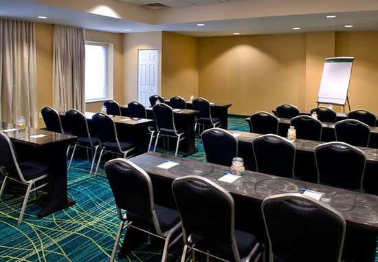 Plymouth Meeting, PA: Meeting Space