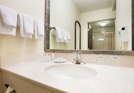 Eden Prairie, MN: Suite Bathroom