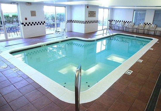 Overland Park, KS: Indoor Pool