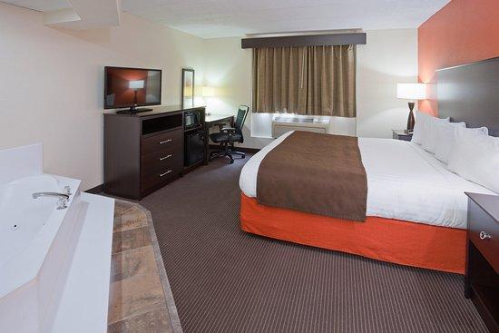 Americ Inn Apple Valley Whirlpool Suite