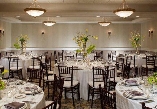 Pittsford, NY: Monterey Ballroom