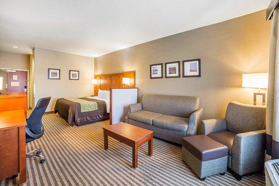 Woods Cross, UT: King Suite