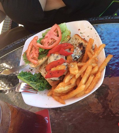 Holiday Inn Resort Daytona Beach Oceanfront: Grilled Chicken Sandwich