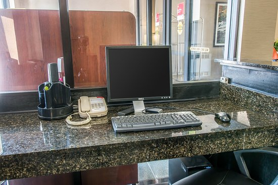 Comfort Suites Wixom: Business center