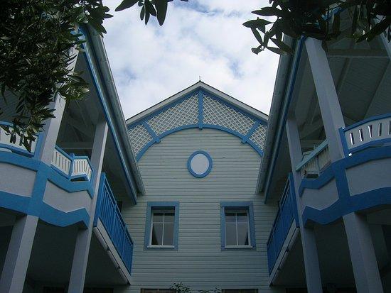 Pierre & Vacances Village Club Port-Bourgenay: Des batiments originaux