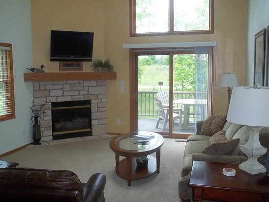 Meadow Ridge Resort: townhome livingroom