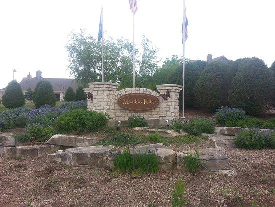 Meadow Ridge Resort: front sign