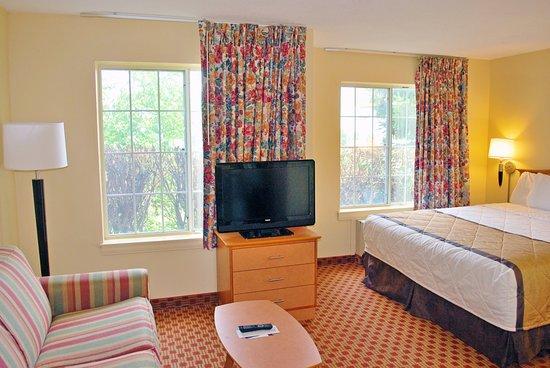 Bridgeton, MO : Studio Suite - 1 King Bed