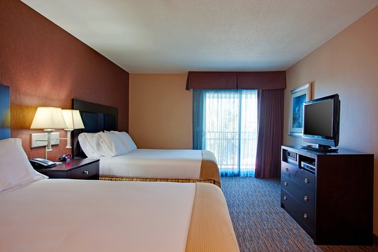 Holiday Inn Express San Clemente North: Guest Room with Two Queen Beds and Free WiFi