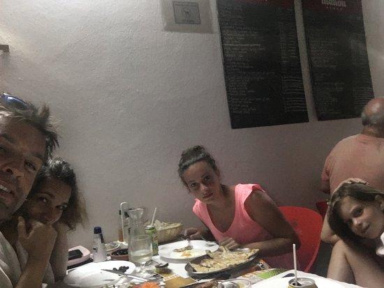 DIVINAL. dos melhores em Tavira. Comida caseira. Super barata cerca de 6€ por prato é uma varied