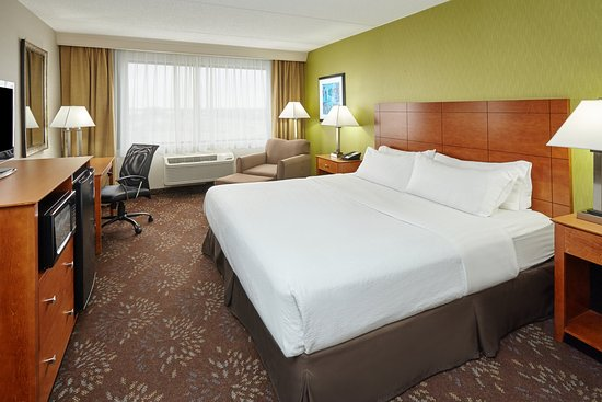 Matteson, IL: King Executive Guest Room
