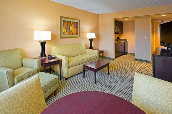 Parsippany, Nueva Jersey: Spacious Newly Renovated Suite accommodating up to 6 adults