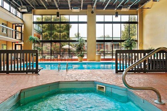 Blytheville, AR: Swimming Pool