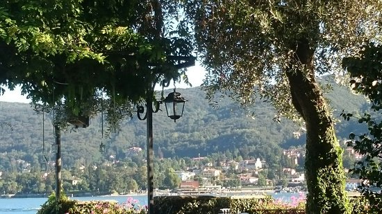Albergo Ristorante Verbano : The view from the restaurant out across the lake.