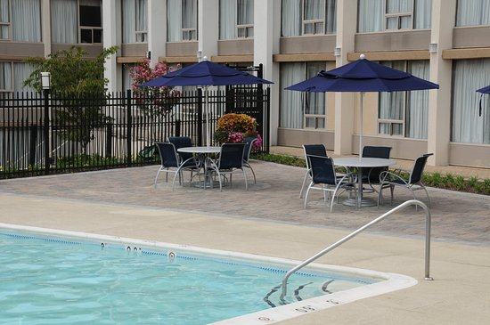Jessup, MD: Relax in our beautiful seasonal outdoor pool.