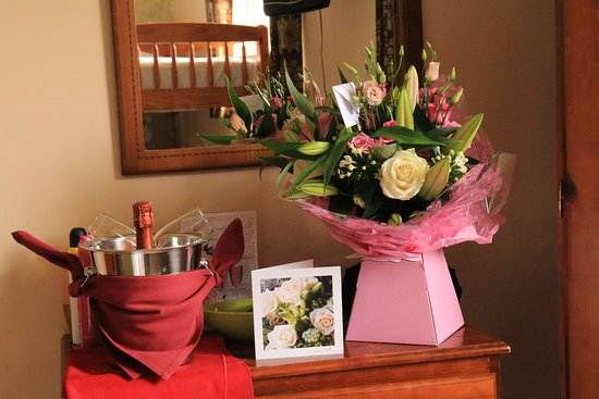 Holmrook, UK: The Flowers were from Perfectly Planted and a chilled Rose Champagne