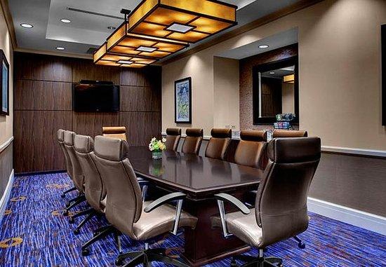 Decatur, GA: Oakhurst Executive Boardroom