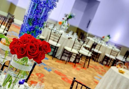 Courtyard Atlanta Decatur Downtown/Emory: Wedding Reception Details