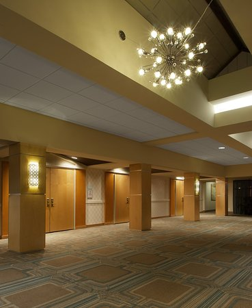 Sunset Hills, MO: Meeting pre-function area