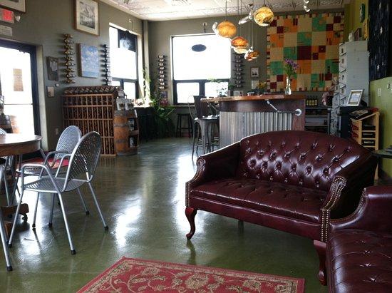 Vino Salida Wine Cellars : Tasting Lounge