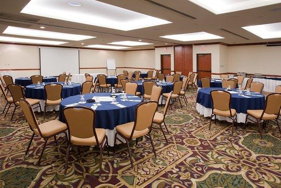 Lakewood, CO: Specializing in Denver Meetings