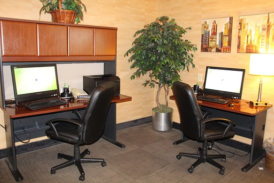 Lakewood, CO: Business Center